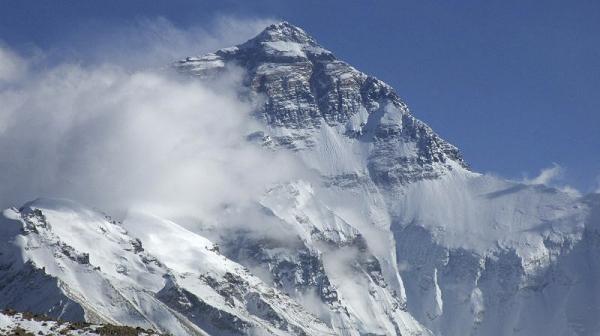 Mt. Everest zo severného base campu v Tibete...