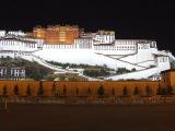 Potala - sídlo Dalajlámov v Lhase...