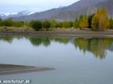 Rieka Brahmaputra pramení v Tibete...
