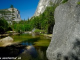 NP Yosemity, jazierko Mirror Lake......