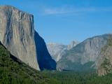 Pohľad na Yosemitské údolie...